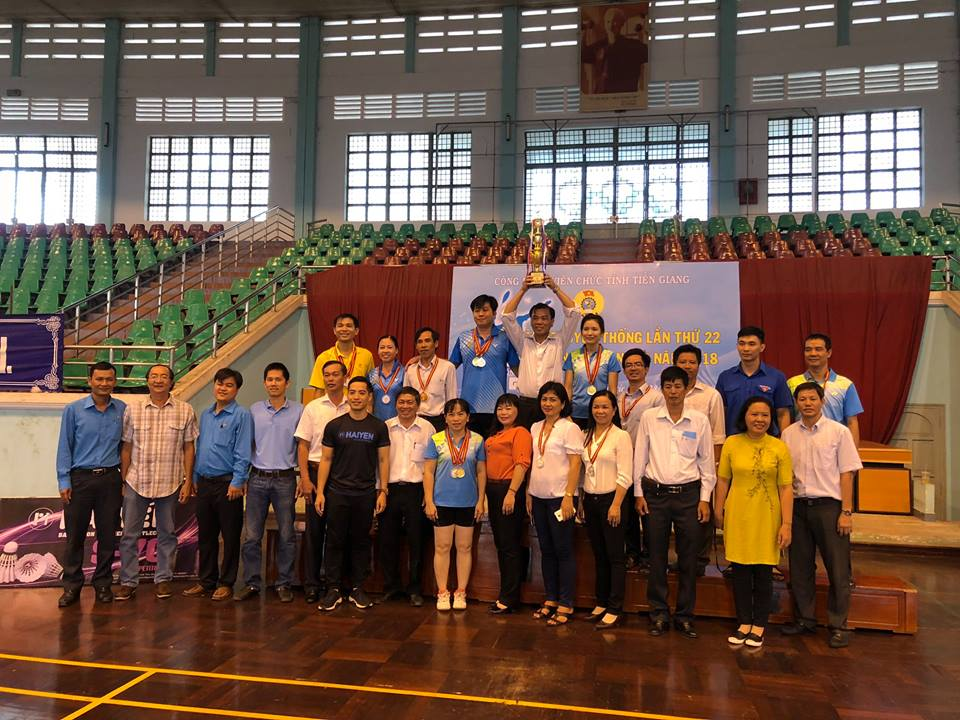 Đội Cầu lông CĐCS Cục Thống kê đạt Cúp vô địch toàn đoàn Giải Cầu lông CĐVC tỉnh Tiền Giang lần thứ 22 năm 2018