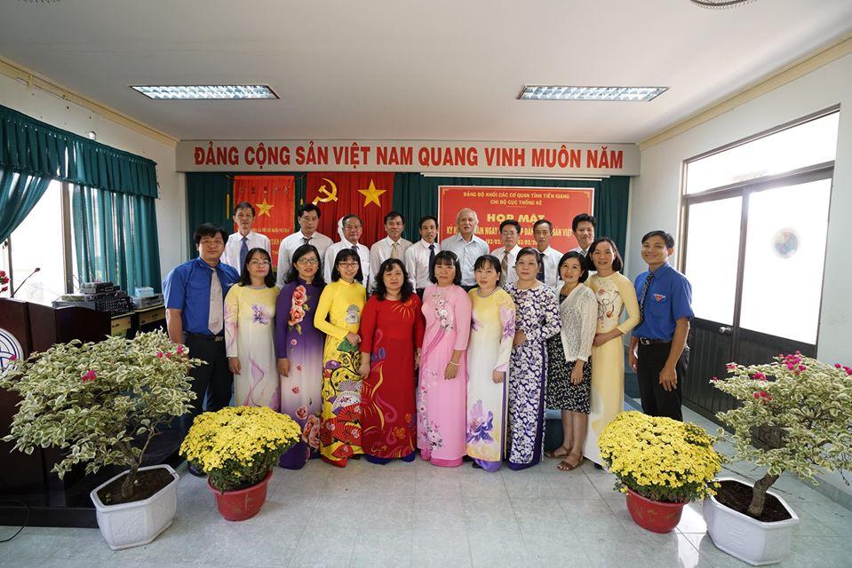 Chi bộ Cục Thống kê Tiền Giang họp mặt kỷ niệm 90 năm Ngày thành lập Đảng cộng sản Việt Nam (03/02/1930-03/02/2020)