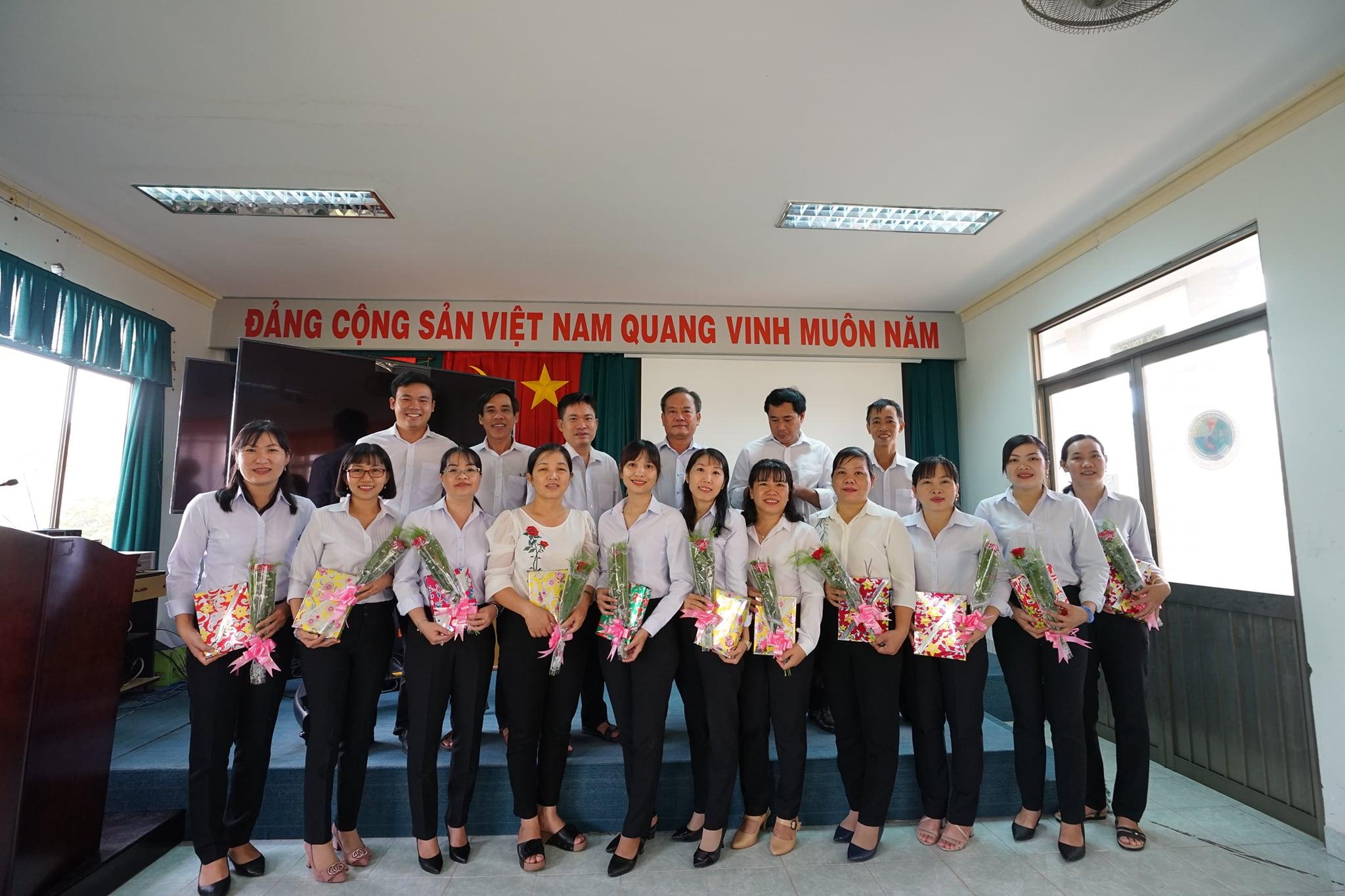 Họp mặt truyền thống chào mừng kỷ niệm 90 năm Ngày thành lập Hội Liên hiệp Phụ nữ Việt Nam (20/10/1930-20/10/2020)